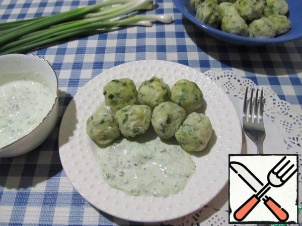 Serve salted dumplings cold with cold cucumber sauce.