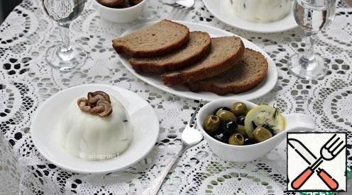 Set the table and serve. A great appetizer with vodka!
