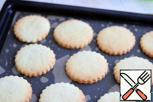 Bake the shortbread blanks until light Golden.