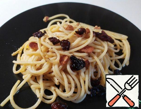 Spaghetti with Garlic and Butter Recipe