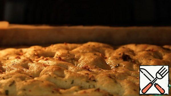 Bake in a preheated 200 degree oven until Golden brown, about 15-20 minutes.