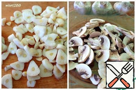 Garlic and mushrooms cut into slices.