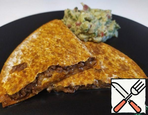 Quesadillas with Ground Beef and Guacamole Recipe