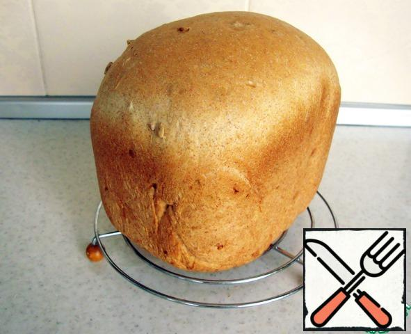 Leave the bread to cool on a wire rack.