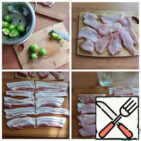 Brussels sprouts should be boiled for 3-5 minutes in salted water, tossed in a colander and covered with cold water. Cut off the extra protruding stalk. Cut the Turkey fillet into small pieces so that they can wrap the cabbage head. From 250 g of fillet I got 9 pieces. We beat off the pieces a little with the blunt side of the knife. I've got the bacon sliced, and I'll cut each piece in half, and the fillet pieces will fit in the halves.