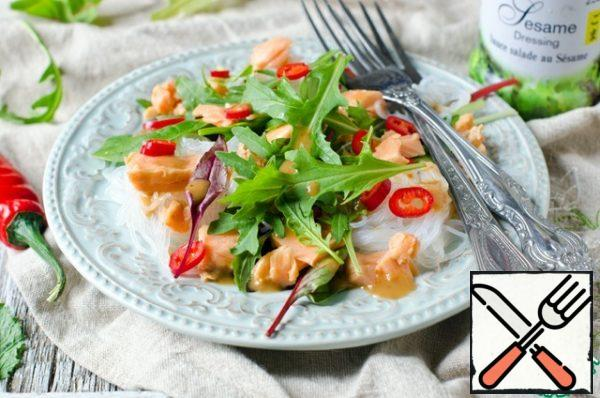 Salad with rice Noodles, sSalmon and Lettuce Recipe