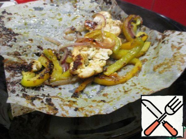 Cover with the other half of the sheet and fry in a preheated pan without oil for 5-7 minutes on each side.
