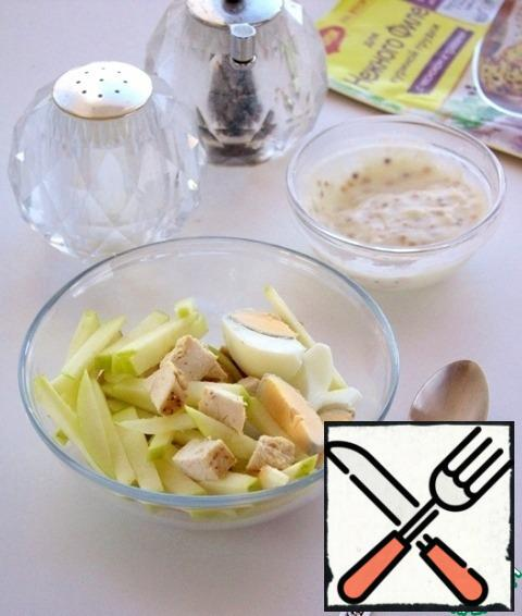 Combine all the ingredients in a cup, add the dressing, salt, pepper to taste, mix everything.
