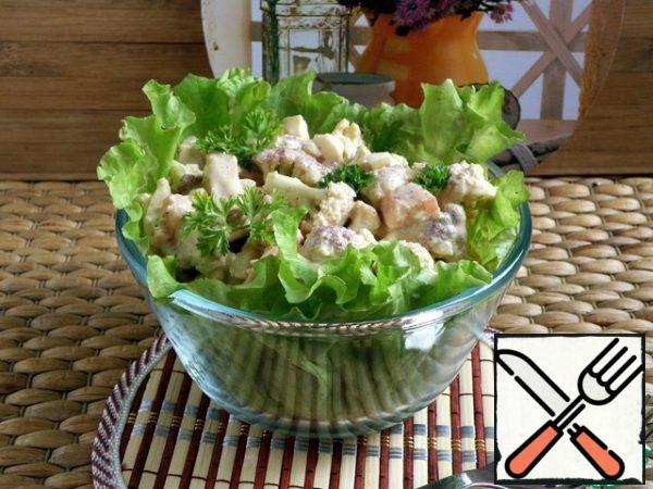 Season the salad with a mixture of mayonnaise and sour cream with soy sauce.  Serve immediately without letting the tomatoes juice.