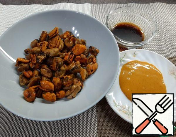 Fried Mussels with Garlic Recipe