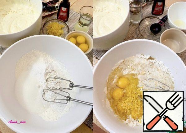 Sift flour with baking powder and salt, add sugar and mix. Mix the melted butter, eggs, lemon juice, vanilla, and lemon zest with a small mixer and bring everything to a smooth state.
