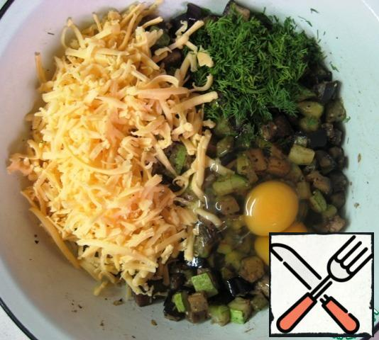 Add eggs, grated cheese and finely chopped dill to the cooled vegetables. Stir.