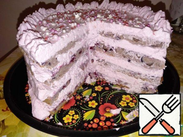 Everyone always likes this cake. And they always eat it quickly.