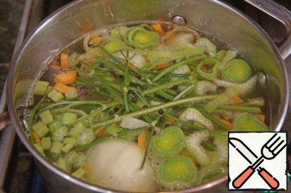 Vegetable broth can be prepared in advance, such as the day before, and kept in the refrigerator.