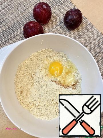 Add vanilla and egg.