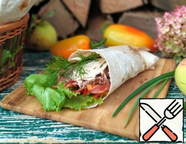 Shawarma with Turkey, Bacon and Vegetables Recipe