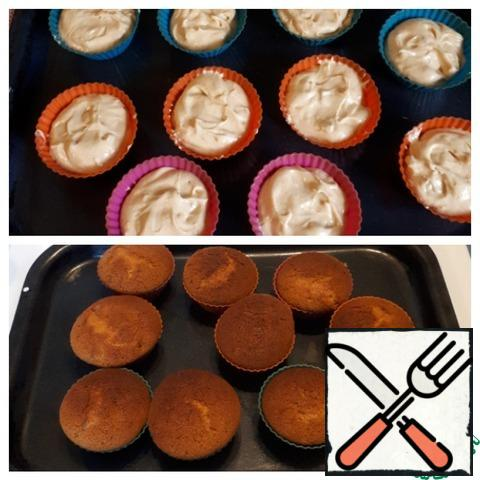 Spread the dough on silicone molds, bake at t=170-180 C for about 20 minutes.