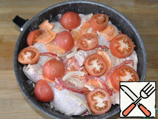 Cut the tomato into thick rings and put it on top. Put the pan (form) in the oven heated to 180-200 degrees, bake for 50-60 minutes until Golden.