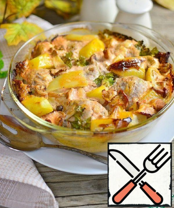 Potatoes baked with Meatballs and Chanterelles Recipe