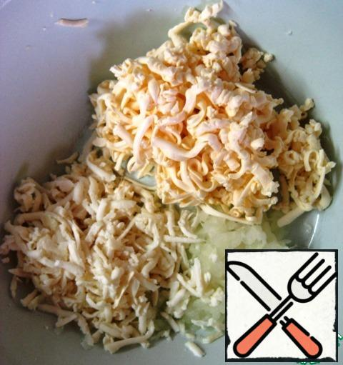 In a separate bowl, grate the onion, cheese and melted cheese.