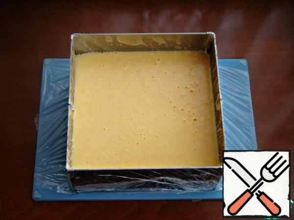 Pour the filling over the frozen layer and refrigerate for about an hour to stabilize.