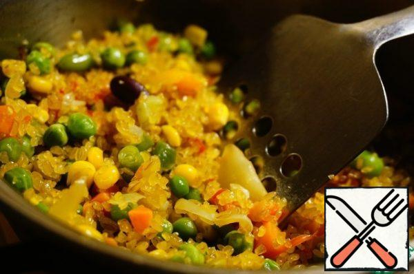 Fry together with the vegetables for about 3 minutes.