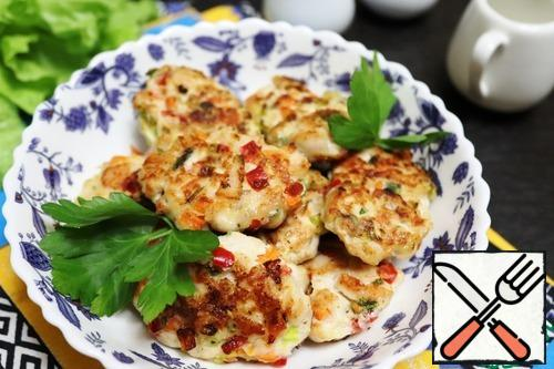 These cutlets are good for a full meal with porridge or potatoes and for a snack with a piece of bread, they are equally delicious hot and cold.