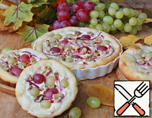 Quiche with Grapes on the Cheese Dough Recipe