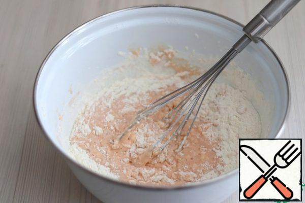 Then gradually add the total amount of flour. I want to pay attention, when mixing the dough, make sure that the dough is soft and comfortable in the future. Flour in this case, you may need a little more or a little less than the amount that I wrote in the ingredients.