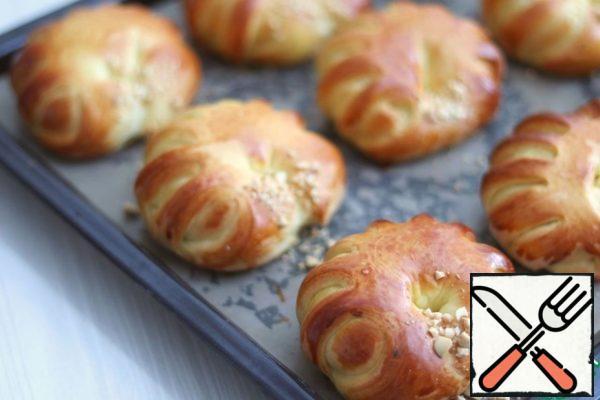 Bake the buns until Golden brown.