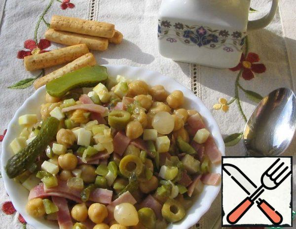 """Salad with Chickpeas """"Spicy"""" Recipe"""