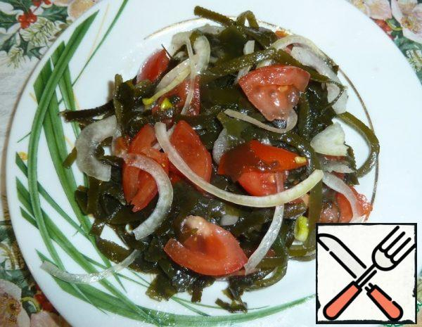 Salad with Seaweed and Tomatoes Recipe