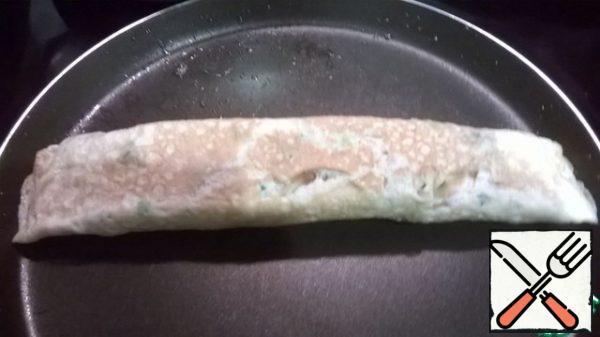 """Slightly fry the"""" seam """" of the roll."""