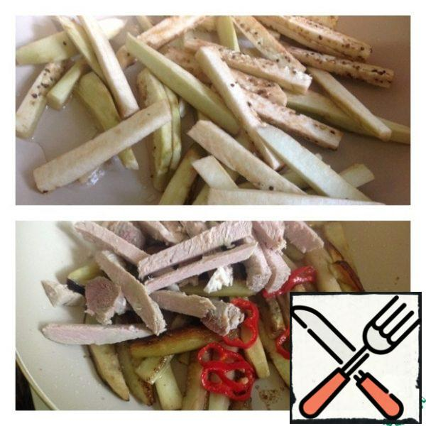 Peel the eggplant and cut into cubes. Put to fry in a small amount of vegetable oil. When the eggplant is already soft, add to it boiled pork cut into cubes. Hot pepper (we do not clean the seeds) cut into rings and add to the same. Stir and fry until the eggplant is ready.