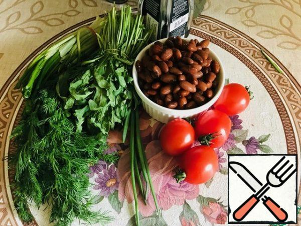 Here is our modest set of products. Cook the beans in advance, wash the tomatoes and herbs.