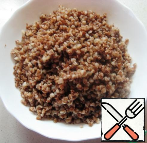 Boil buckwheat.