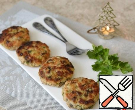 Serve the cutlets hot, decorate with herbs. Happy New Year!!!