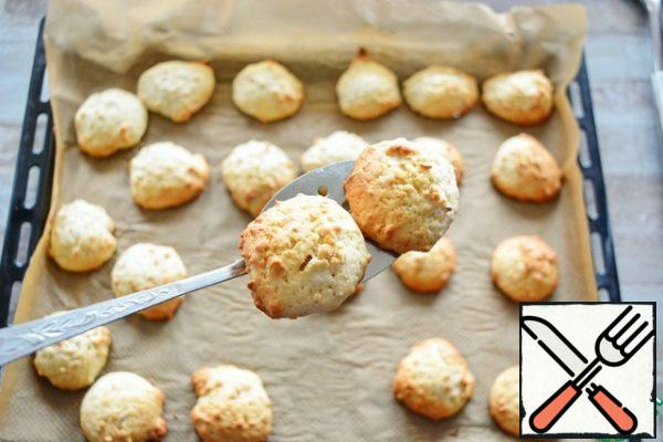 Bake at t=180°From about 15 minutes until Golden. Cookies are not crumbly, but soft and tender.