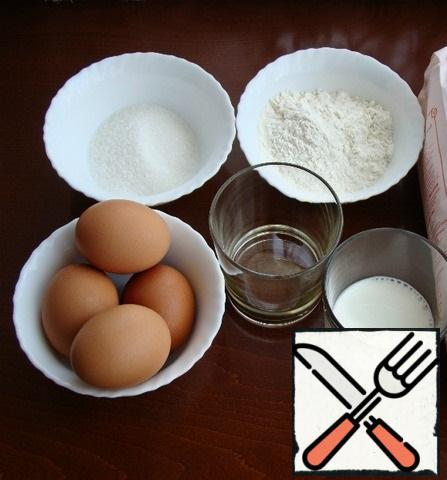 While the jam cools, prepare two white biscuits. In the ingredients, I indicated the norm of products for 1 serving. Therefore, the number of ingredients must be doubled.