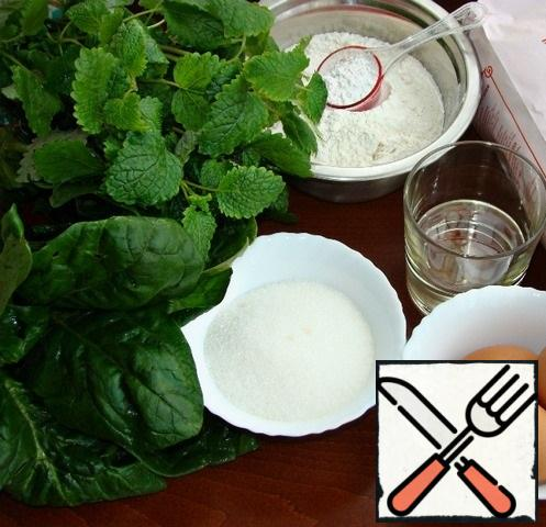 Now let's start with the spinach sponge cake. We will prepare all the necessary ingredients for this.