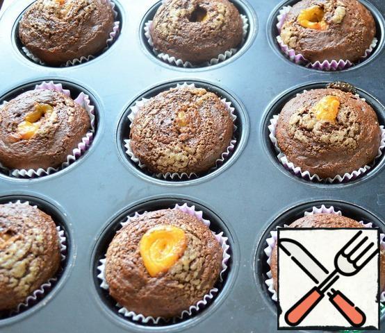 Bake the cupcakes at 180 degrees, 20-25 minutes.