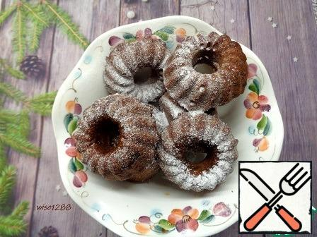 Cool the cupcakes. Sprinkle with powdered sugar. Enjoy your tea!!!