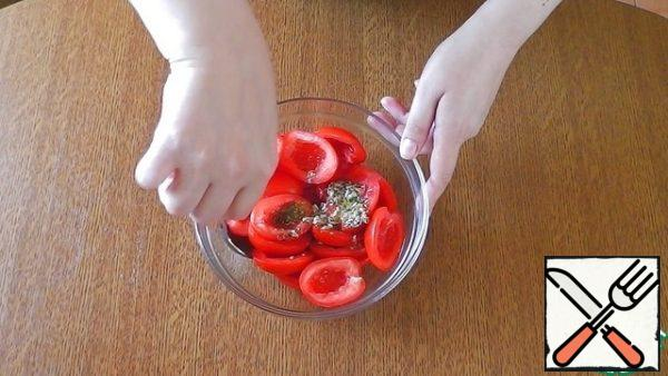 Combine the tomatoes and marinade in a bowl and mix gently.
