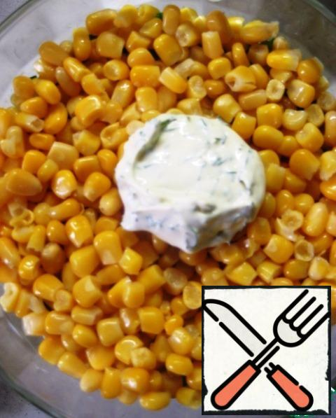 4. corn (pre-drain the liquid from the jar), lubricate with dressing.