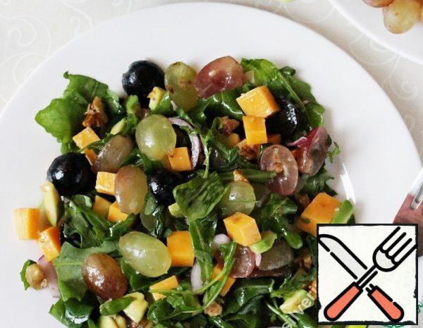 Salad with Grapes and Avocado Recipe