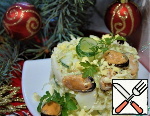 Peking Cabbage Salad with Mussels Recipe