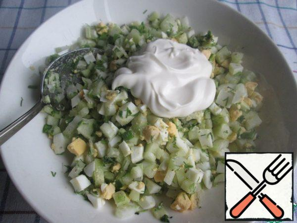 Add mayonnaise ( optional-yogurt, or sour cream with mayonnaise) and mix again.