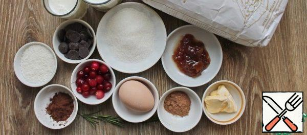 Prepare all the necessary ingredients for making a gingerbread cake-cupcake.