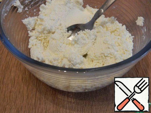 Cottage cheese take fat-free, rub it through a sieve.