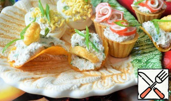 Cheese and Nut Spread with Fish Caviar Recipe